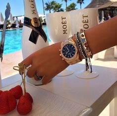[PDF] Luxus Lifestyle: Beyond the Lifestyle-Experten Luxus - Personal Concierge & Supercar Experten Bracelets Design, Luxury Lifestyle Fashion, Happy Week, Luxe Life, Millionaire Lifestyle, Rich Girl, Ring Verlobung, Mode Outfits, Luxury Jewelry