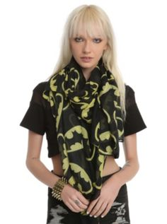 DC Comics Batman Logos Scarf If I could pull of a scarf I would so wear this!