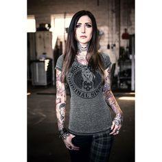 """Ihr steht auf abgefahrene Shirts? Dann solltet ihr euch unbedingt das grau/schwarze """"Original Sinners"""" Girl-Shirt von Rock Rebel by EMP reinziehen. Auf dem Shirt prangt ein Totenkopf mit dem Satz """"Rock Rebel - Original Sinners"""". Die transparente Spitze an den Ärmeln macht das #Shirt perfekt - sexy! #rockrebel #rockwear #empstyle"""