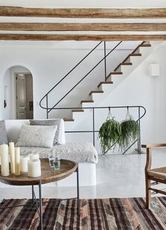 Contemporary home decor gorgeous rustic villa with influences art of and house design modern ideas Contemporary Interior Design, Modern House Design, Contemporary Stairs, Contemporary Building, Contemporary Apartment, Contemporary Furniture, Minimal Home Design, Modern Condo, Modern Apartments