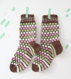 Ranskanpastilli-sukat - Novita 7 Veljestä || from Novita knits