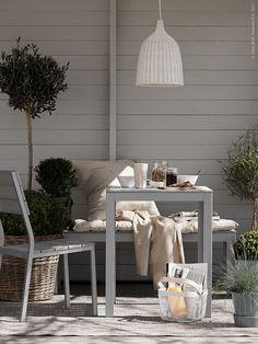 outdoor dining by ikea Ikea Outdoor Table, Outdoor Rooms, Outdoor Gardens, Outdoor Living, Outdoor Decor, Terrace Roof, Terrace Garden, Garden Seating, Porches