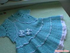 This pretty blue dress has it all! Diagram and step-by-step picture instructions. ♥♥♥♥ it's a Russian site, but I love, love this site and their work.