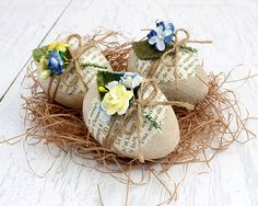 Trio of Decoupaged Eggs Blue & Yellow Spring by BailiwickStudio Easter Crafts, Holiday Crafts, Easter Ideas, Baby Boy Cakes, Yellow Springs, Easter 2020, Easter Holidays, Egg Decorating, Vintage Easter