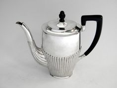 VICTORIAN ANTIQUE SILVER TEAPOT TEA POT LONDON 1894 John Bull
