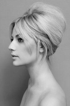 Modern bouffant updo   #hair