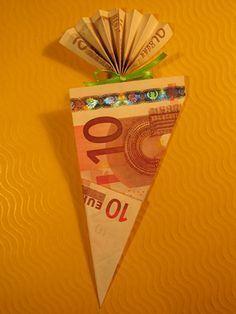 Schultüte als Geldgeschenk diy pompom Origami 3d, Money Origami, Origami Butterfly, Origami Flowers, Origami Videos, Don D'argent, Diy Gifts For Kids, School Bags, Diy And Crafts