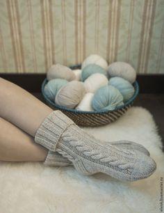 Crochet Socks, Knitting Socks, Knit Crochet, Knit Socks, Knitted Jumper Outfit, Frilly Socks, Rainbow Dog, Men In Heels, Cozy Socks