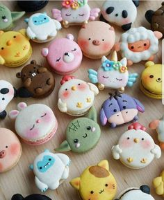 These Animal Macarons Turn The Classic French Pastry Into Adorable Edible Zoo desserts, These Animal Macarons Turn The Classic French Pastry Into Adorable Edible Zoo Mini Desserts, Disney Desserts, Classic Desserts, Disney Food, Plated Desserts, Cute Food, Yummy Food, Healthy Food, Healthy Baking