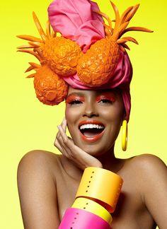 Inspirado pelo tema do Baile da Vogue de 2014, o beauty artist criou a sua própria Carmen Miranda contemporânea para arrasar no tropical couture deste ano