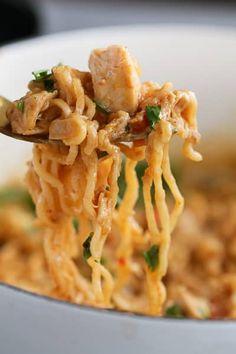 Ramen Noodle Bowl, Ramen Noodle Recipes, Ramen Noodles, Chicken Noodles, Asian Noodles, Dinner Dishes, Main Dishes, Dinner Recipes, Dinner Ideas