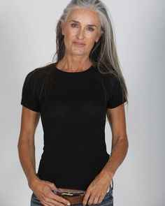 I have had an under active thyroid for over 20 years. I have learnt to live with it. However my poor nails suffer most. Long Gray Hair, Silver Grey Hair, White Hair, Pelo Color Plata, Silver Haired Beauties, Grey Hair Inspiration, Peinados Pin Up, Beautiful Old Woman, Ageless Beauty