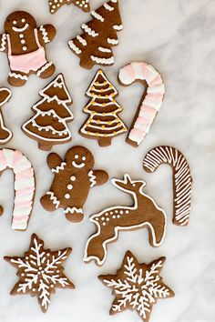 Perfect gingerbread cookies that are full of flavor and spices. Decorate them with royal icing for a perfectly, sweetened cookie.  #GingerbreadCookies #Gingerbread #Cookies #ChristmasCookies #Recipes Ginger Bread Cookies Recipe, Ginger Cookies, Yummy Cookies, Sugar Cookies, Gingerbread Man Cookie Recipe, How To Make Gingerbread, Fancy Cookies, Cut Out Cookies, Christmas Desserts