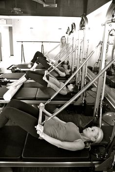 Reformer pilates exercises work everything from calves to abs to glutes to triceps.  Work it girls! #Pilates http://www.centroreservas.com/