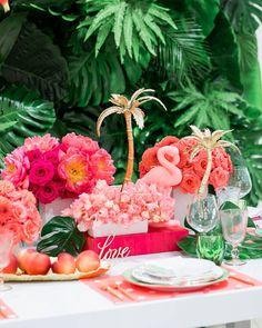 tropical pink tablescape | photo @cavinelizabeth