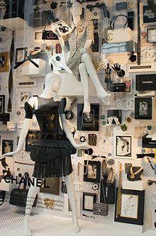Love this Chanel Window Display