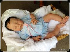 Baby Rosa sculpt by Adrie Stoete