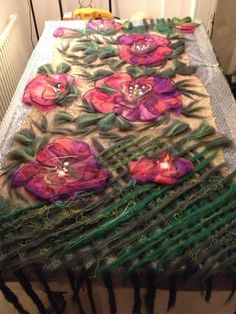 Nuno Felting, Needle Felting, Felt Crafts, Diy And Crafts, Art Textile, Felting Tutorials, Handmade Felt, Fibres, Felt Art