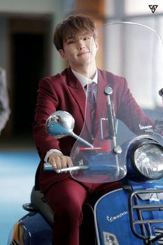 Starcast Seventeen Japanese Single Debut Call Call Call mv behind Seventeen Memes, Hoshi Seventeen, Seventeen Album, Hip Hop, Jeonghan, Kpop, Seoul, Star In Japanese, Vernon Chwe