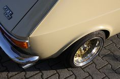 As mentioned here, a friend of mine is the owner of that gorgeous beige Fiat 127 that pops up here from time to time. It& a 1973 model and he is the second owner of that little beauty. Bbs, Fiat 126, Fiat Abarth, Retro Cars, Cars And Motorcycles, Cool Cars, Vroom Vroom, Vehicles, Amazing
