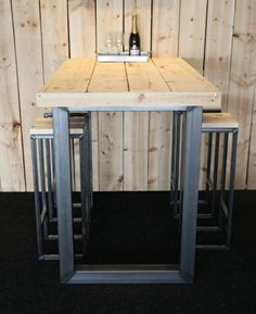 DEMOCO | bartafel met bijpassende krukjes #steel #industrial