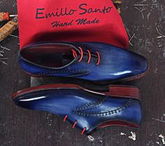 Model RUDOLF The #shoes are entirely handpolish with a navy color effects for an elegant style. www.emillosanto.com websale@emillosanto.com FREE WORLDWIDE SHIPPING
