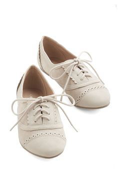 Subtle Statement Flat. These pale-grey Oxfords are ready to become your daily go-to! #grey #modcloth