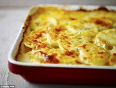 Lorraine Pascale Lighter Way to Bake Crème fraîche potato dauphinoise with thyme Chef Recipes, Cooking Recipes, Potato Recipes, Recipies, Veggie Recipes, Patate Dauphinoise, My Favorite Food, Favorite Recipes, Potato Dishes