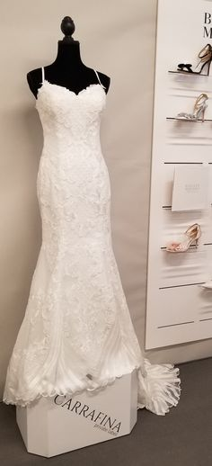 30 Best Bridal Boutique Retail Displays By Ww Images In 2020