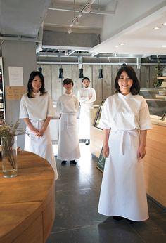 統一感を出しつつ個性も… そんな二つの良さを引き出す制服です。[SEVEN PRESS / セブンプレス] Waiter Uniform, Best Party Dresses, Staff Uniforms, Hotel Staff, Chef Apron, Linen Apron, School Uniform, Work Fashion, Asian Beauty