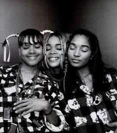 See TLC pictures, photo shoots, and listen online to the latest music. Tlc Group, Girl Group, Lisa Left Eye, Vintage Black Glamour, Back In The 90s, 90s Hip Hop, Hip Hop Outfits, Black Girl Aesthetic, Female Singers