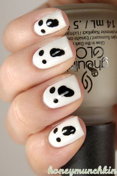 Halloween: #Ghosts in light #nailart #nail #mani #halloween