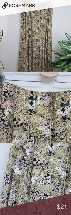 Cato Plus Size Full Skirt 22/24 Modest clothing.  In excellent used condition.  Full length printed skirt from Cato with flare. Size 22/24 Cato Skirts A-Line or Full