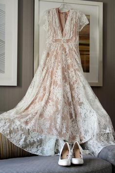 vintage wedding dress from Shareen Vintage in California | Altar Image Photography
