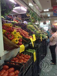 www.hotelbjvittoria.it #cagliari #italia#mercato #sanbenedetto #frutta #mangiare #expo #sano #sun #