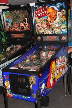 Fun fact this pinball machine influenced the level in Little Big Planet Three's Crumbling Crypts as the zombie and pinball theme were incorporated into the level Arcade Game Room, Retro Arcade Games, Flipper Pinball, Pinball Wizard, Penny Arcade, Tales From The Crypt, Retro Images, Arcade Machine, 90s Nostalgia