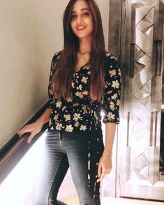 💋Follow Me Rishita Surve•̀.̫•́✧ Shivani Surve, Floral Tops, Glamour, Nymphs, Indian, Blouse, Tv, Instagram, Women