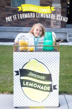 pay it forward lemonade stand! Such a fun idea and a great way to teach kids about service. free printable sticker included.