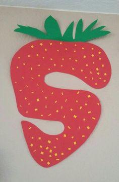 Letter S Crafts For Kindergarten Letter S Activities, Preschool Letter Crafts, Alphabet Letter Crafts, Abc Crafts, Daycare Crafts, Letter Art, Preschool Activities, Preschool Poems, Alphabet Book