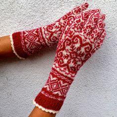 Z włóczek sklepu Zeberka powstają cudne rękawiczki wykonane przez dom Klary. Ostatnim udziergiem jest projekt z wełny estońskiej: