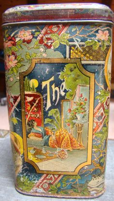 , rectangular with curved corners and friction hinge lid, early century, decorated with flowers and leaves Vintage Cutlery, Vintage Tins, Antique Boxes, Antique Items, Art Nouveau, Art Deco, Tin Containers, Tea Tins, Tea Caddy