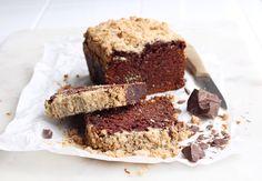 Dark Chocolate Banana Bread with Peanut Butter Crumble