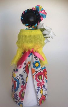 LISTA reservada para Isa Andrade. Catrina mexicana por LaCasaRoja Paper Mache Paste, Paper Mache Clay, Holidays To Mexico, Day Of The Dead Art, Voodoo Dolls, Halloween Crafts For Kids, Halloween Fashion, Craft Gifts, Doll Clothes