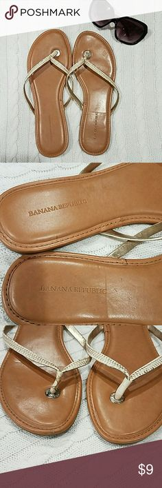 *Price lowered*Banana Republic Thong Sandals. Beige. Sz:10. Pretty good condition I wore once but we're a bit big. Only defect is in pic 6. Price reflected because of this. Banana Republic Shoes Sandals