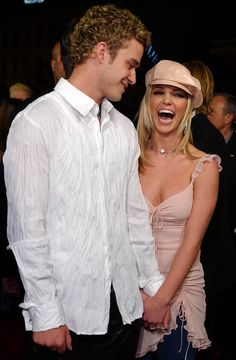 Britney Spears and Justin Timberlake Throwback Pictures | POPSUGAR Celebrity Britney Spears Justin Timberlake, Baby One More Time, Teen Choice Awards, Mtv, Divas, Britney Spears Pictures, Britney Spears Young, Throwback Pictures, Britney Jean