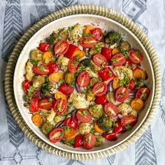 Maistuis varmaan sullekin!: Uunissa paahdetut kasvikset Ratatouille, Food And Drink, Ethnic Recipes, Drinks, Red Peppers, Drinking, Beverages, Drink, Beverage