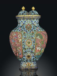 A RARE CLOISONNÉ ENAMEL CONJOINED VASE AND COVER - 18TH/19TH CENTURY