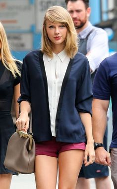 """Những khoảnh khắc Taylor Swift """"hút hồn"""" fan trong năm 2014"""