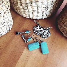 #giftsfromaroundtheworld #earrings #venice #italy #jordan #greece #athens #handmade #blue #gemstones #venicemasks #veniceitaly #travelblog #travelgram #travelblogger #travelbloggerlife #traveladdict #souvenirs #souvenir #greatsouvenirs #greatfriends #greatmemories #memories by lesurjetbykatzs