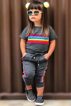 In this video, we will show you beautiful kids outfit ideas, baby girls dress designs, cute Kids Style & more. Find out the perfect outfits for your baby. Boys Summer Outfits, Baby Boy Outfits, Kids Outfits, Gowns For Girls, Little Girl Dresses, Girls Dresses, Baby Girl Fashion, Kids Fashion, Baby Girl Dress Design